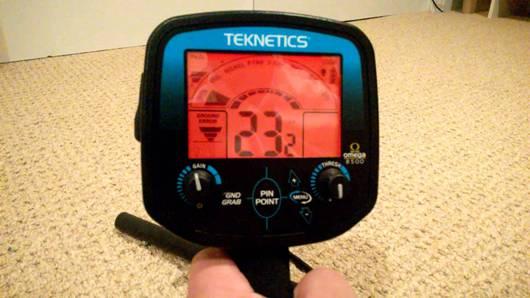 Detector de metales Teknetics Omega 8500